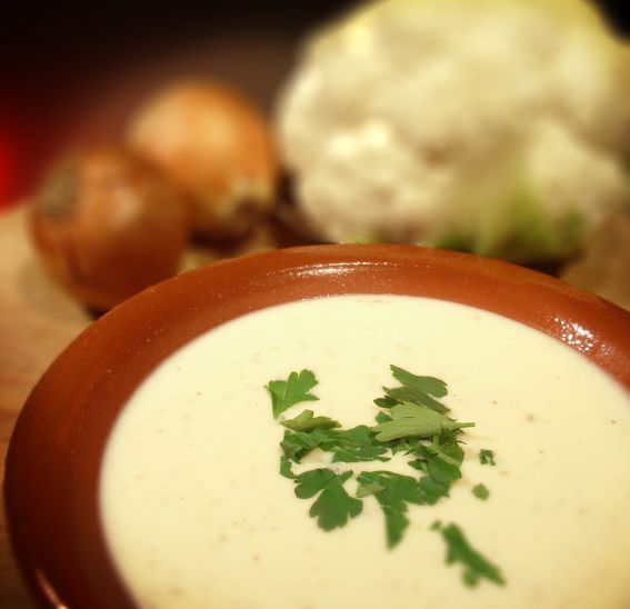 Cauliflower soup photo 2