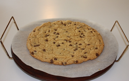 "Chocolate chip ""pizza"" cookie photo 1"