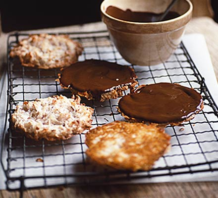 Chocolate coconut macaroons photo 9