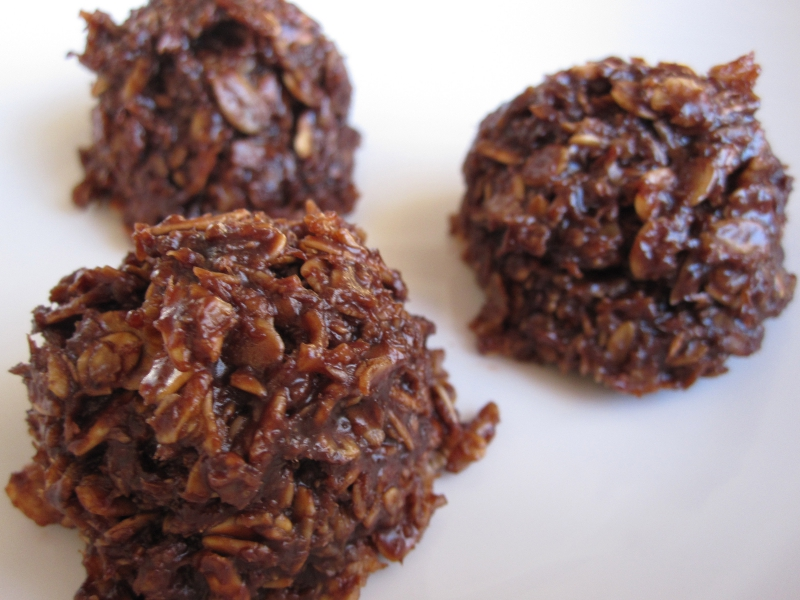 Chocolate coconut macaroons photo 6