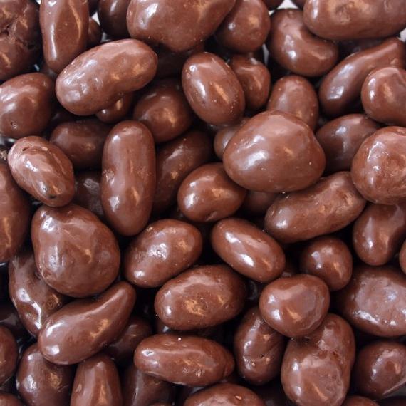 Chocolate covered raisins photo 1