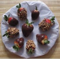 Chocolate-covered strawberries photo 1