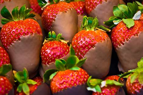 Chocolate dipped strawberries photo 3
