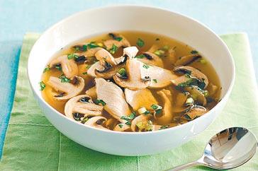 Country mushroom soup photo 3