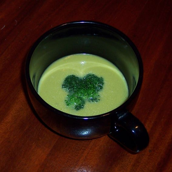 Cream of broccoli soup photo 2