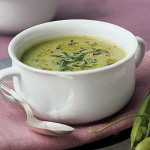 Fresh pea soup photo 1