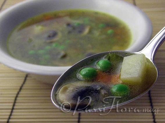 Fresh pea soup photo 2