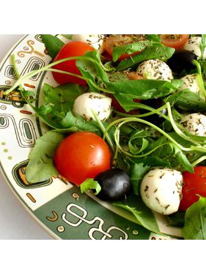 Fresh spinach salad photo 1
