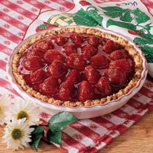 Fresh strawberry pie photo 1