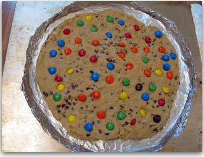 Giant chocolate chip cookies photo 2