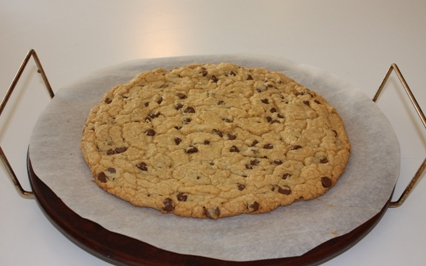 Giant chocolate chip cookies photo 1