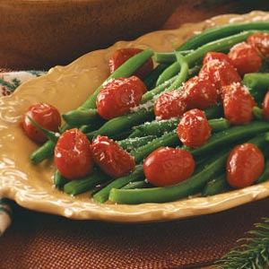 Green beans and tomatoes photo 2