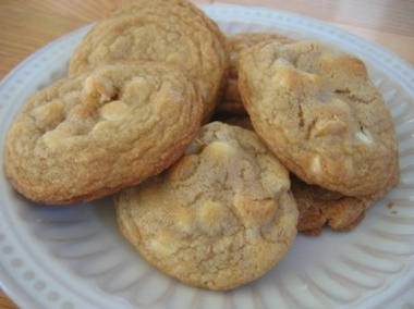 Macadamia white chocolate chip cookies photo 3