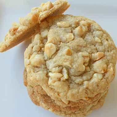 Macadamia white chocolate chip cookies photo 2