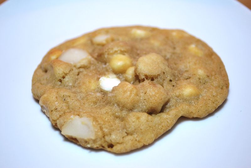 Macadamia white chocolate chip cookies photo 9