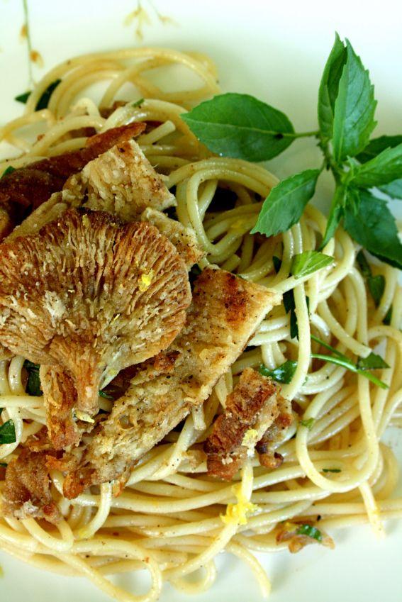 Mushroom wine sauce photo 1