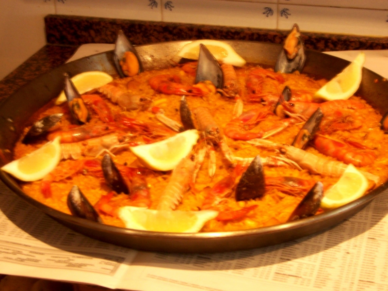Paella valenciana photo 1