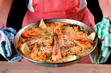 Paella valenciana photo 2