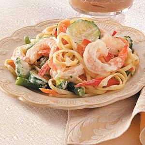 Pasta primavera with shrimp photo 1