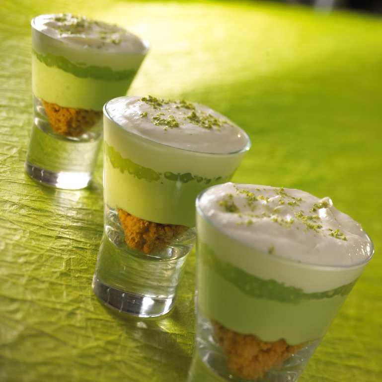 Pistachio pudding dessert photo 3
