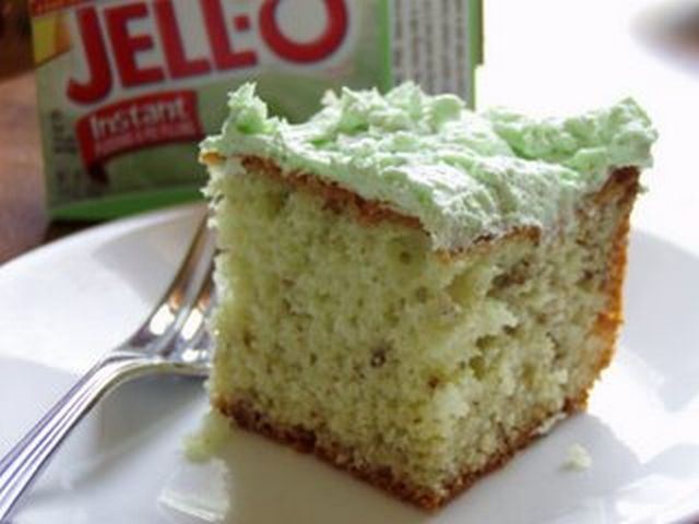 Pistachio pudding dessert photo 2