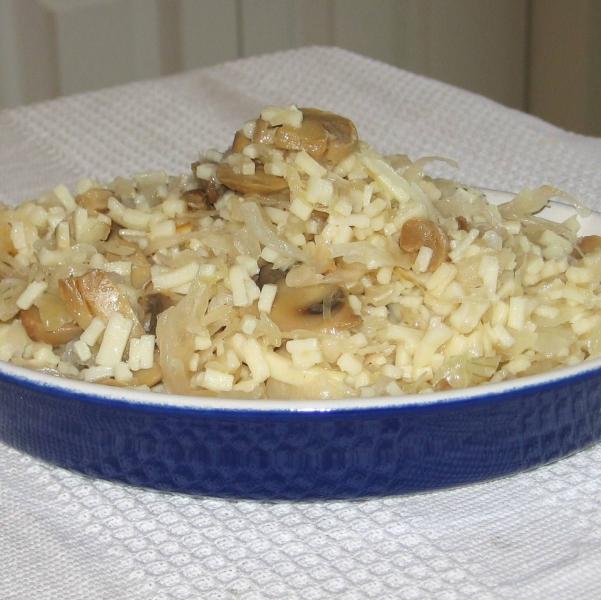 Sauerkraut and noodles photo 1
