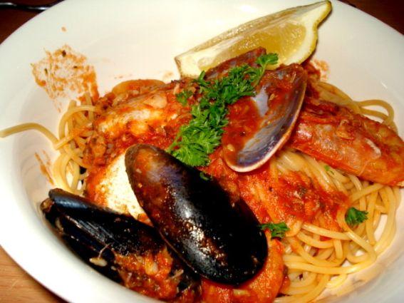 Spaghetti marinara photo 3