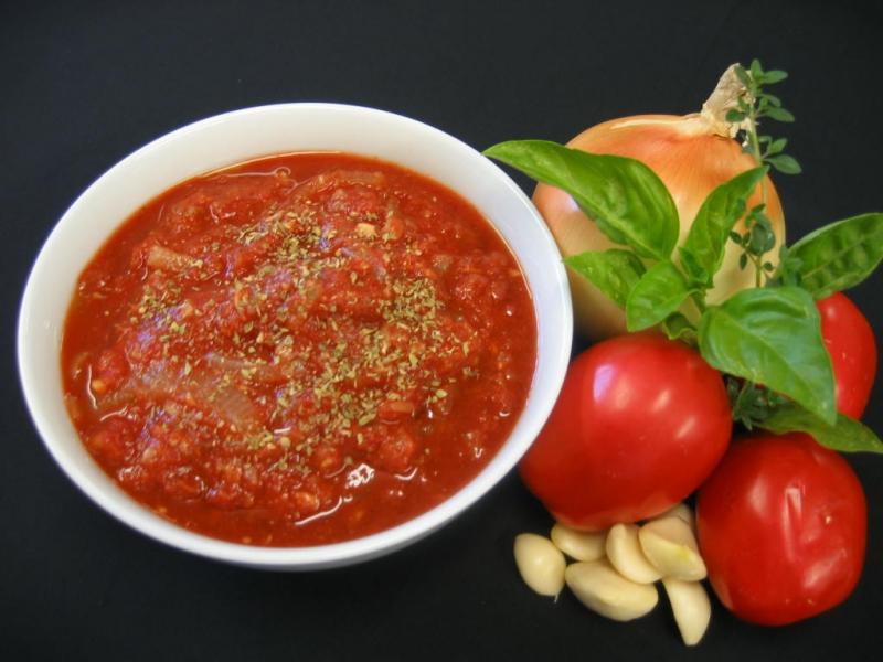 Tomato sauce photo 2