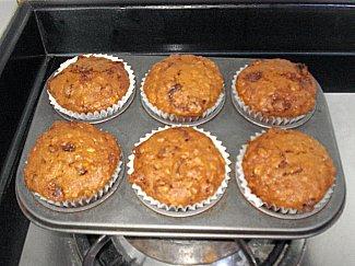 Oatmeal apple raisin muffins photo 2