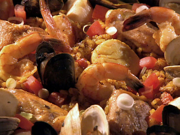 Spanish paella photo 1
