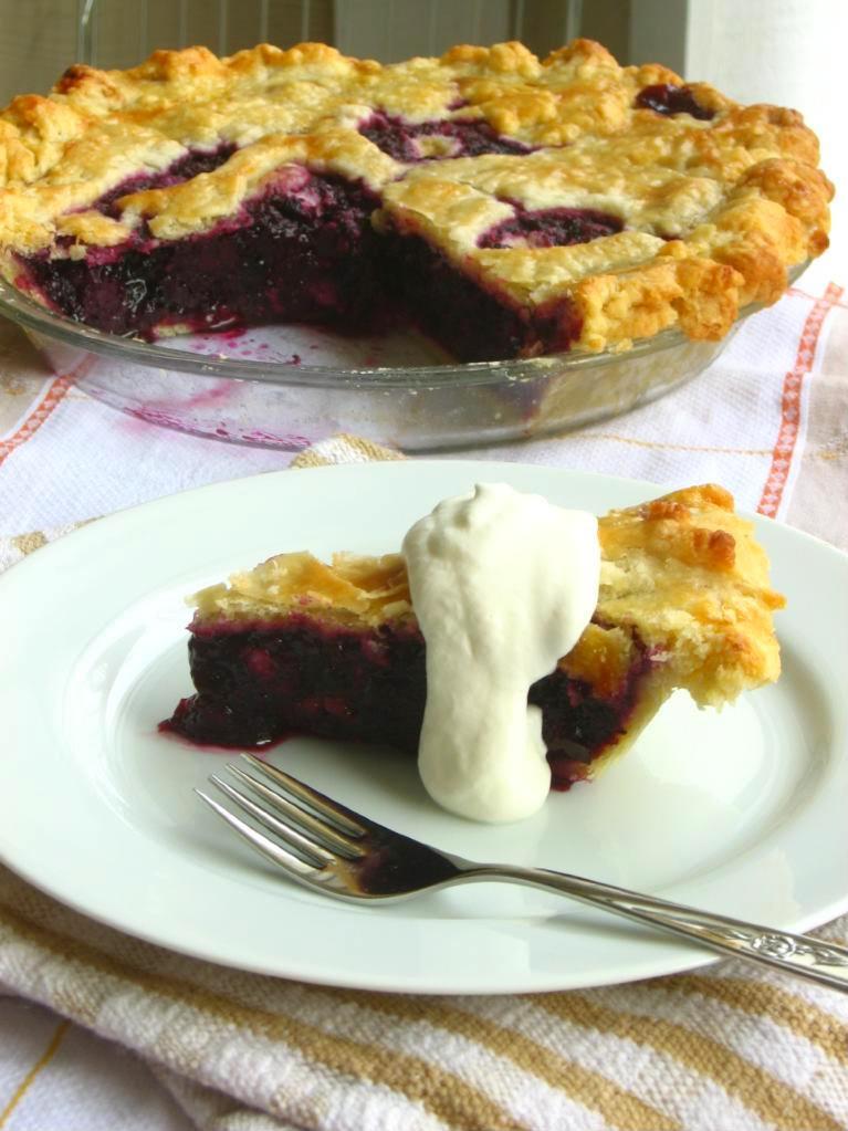 Blueberry pie photo 2