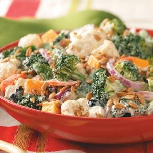 Broccoli-cauliflower salad photo 2