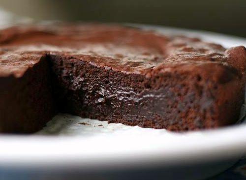 Chocolate flourless cake photo 2
