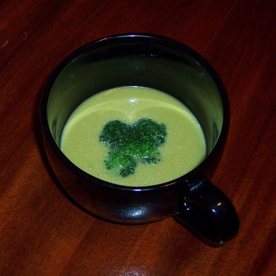 Cream of broccoli soup photo 3