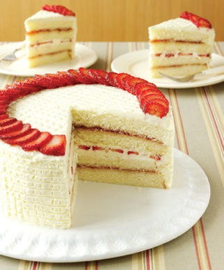 Fresh strawberry cake photo 2