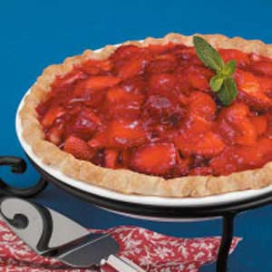 Fresh strawberry pie photo 3