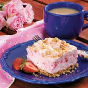 Frozen strawberry dessert photo 1