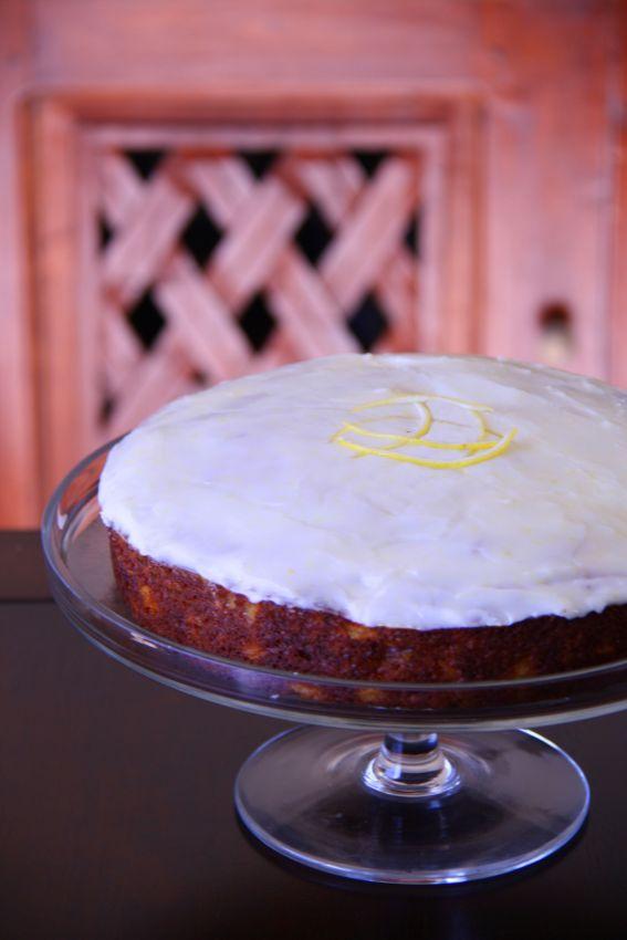 Hummingbird cake photo 3