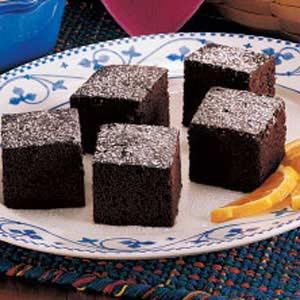 Moist chocolate cake photo 3
