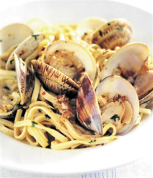 Linguine and clams photo 2