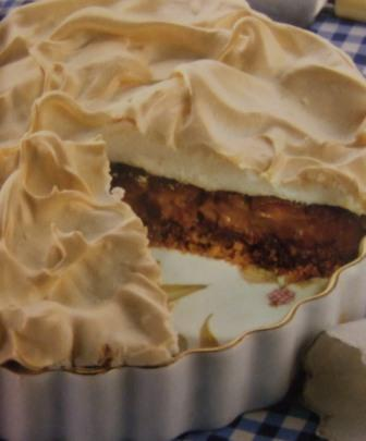 Chocolate meringue pie photo 3