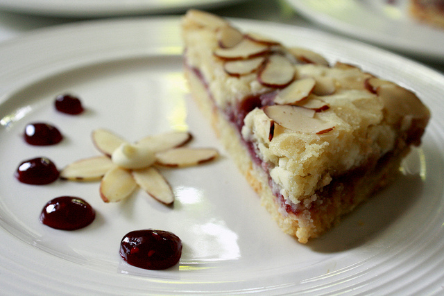 Raspberry almond bars photo 3