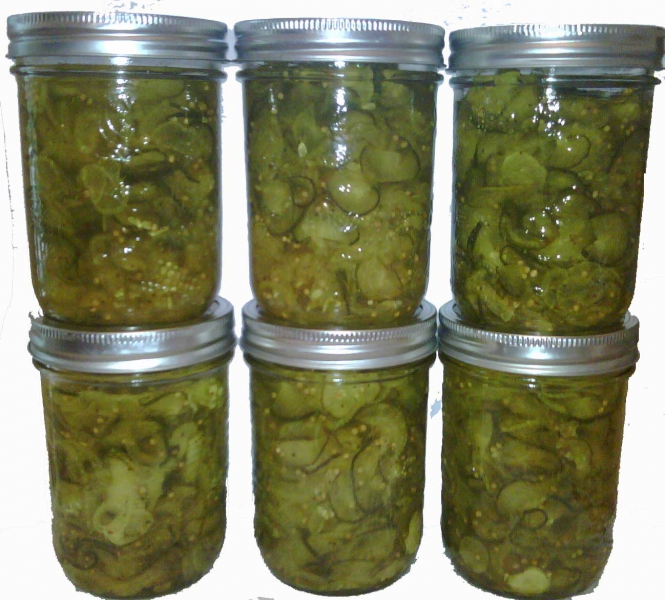 Bread and butter pickles photo 1