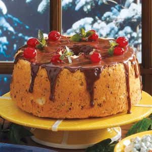 Chocolate cherry cake photo 3