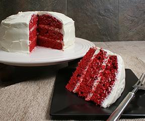 Red cake photo 2