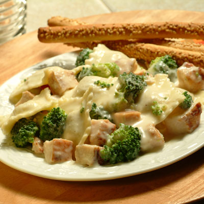 Chicken and broccoli alfredo photo 1