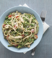 Fettuccine with peas and ham