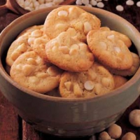 Macadamia white chocolate chip cookies