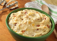 Bacon And Cheddar Mashed Potatoes