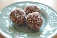 Yum Yum Balls